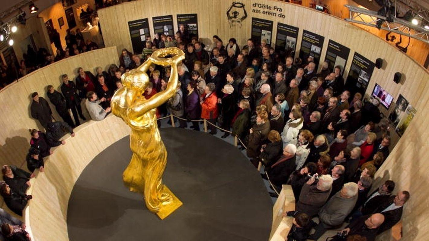 En six semaines, 37.000 visiteurs font le déplacement à Bascharage pour la voir de plus près. L'idée de l'exposition avait d'abord prêtée à sourire avant d'être critiquée en raison de son coût.