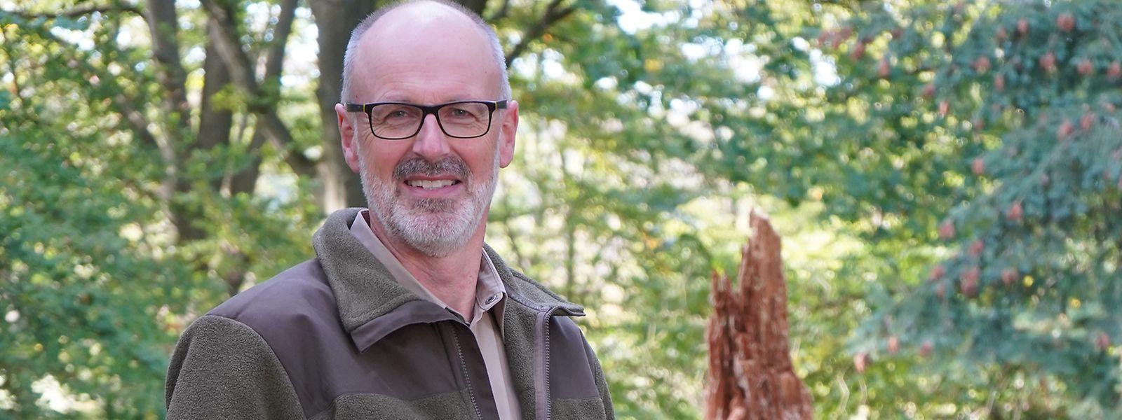 Nach einer Krankheitspause gab Peter Wohlleben 2016 sein Forstrevier auf. Seitdem konzentriert er sich auf die von ihm gegründete Waldakademie und das Schreiben.