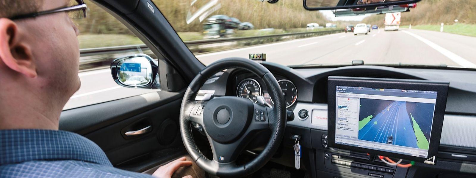Les routes du Luxembourg sont parcourues partiellement par des véhicules autonomes en test depuis le printemps 2019. L'arrivée à grande échelle de ces voitures n'est toutefois pas attendue avant 2030.