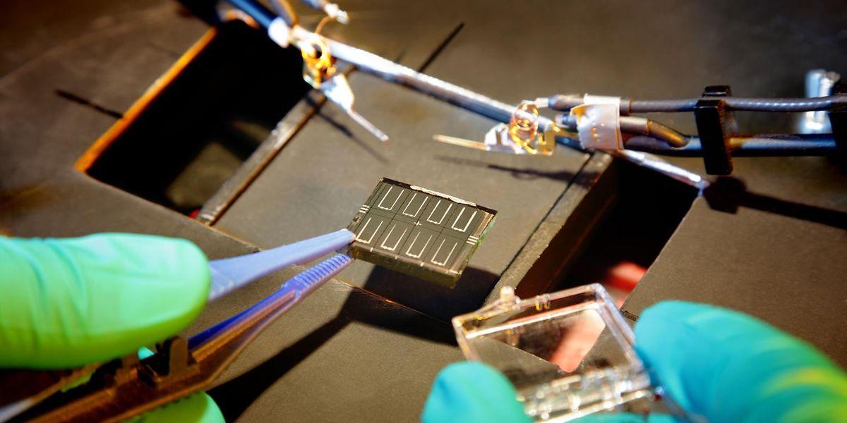 Die Schichten der neuen Solarzellen bleiben an der Luft stabil und sind wesentlich effizienter.