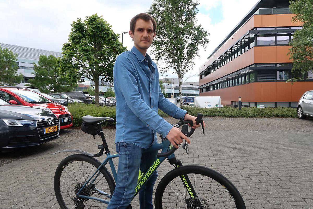Christophe Dhaeze: «En voiture, je mets entre 35 et 45 minutes pour me rendre d'Arlon à la ZA Bourmicht. A vélo, il me faut entre 1 heure et 1h10 pour un trajet».»