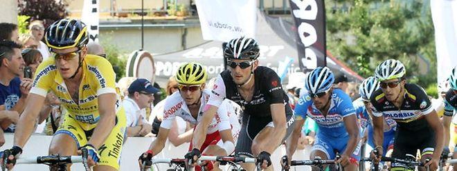 Uma volta sem nomes sonantes do ciclismo mundial