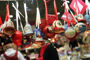 No Bazar Internacional poderá comprar diversos artigos de Natal