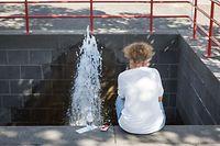 Bei Temperaturen über 30 Grad Celsius war jede Wasserquelle als Abkühlung willkommen.