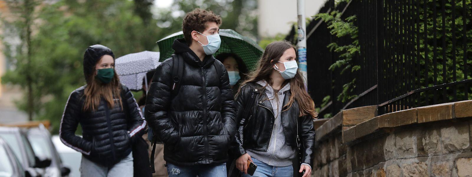 L'entrée en cours, comme dans les commerces, est désormais conditionnée par le respect de règles d'hygiène strictes. L'ère du coronavirus impose le port du masque de protection.