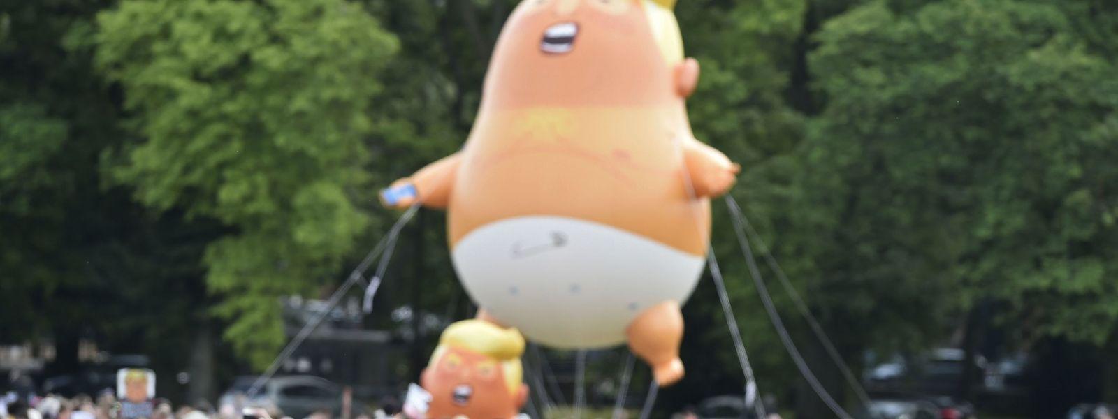 """Un ballon à l'effigie de """"bébé Trump"""" lors d'une manifestation en Ecosse le 14 juillet 2018"""