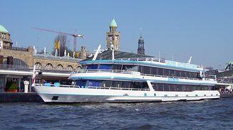 """Heute ist die """"MS River Star"""" – die ehemalige """"MS Princesse Marie-Astrid"""" – als komfortables Salonschiff auf den kleinen und großen Hafenrundfahrten in und um die Hansestadt Hamburg im Einsatz."""