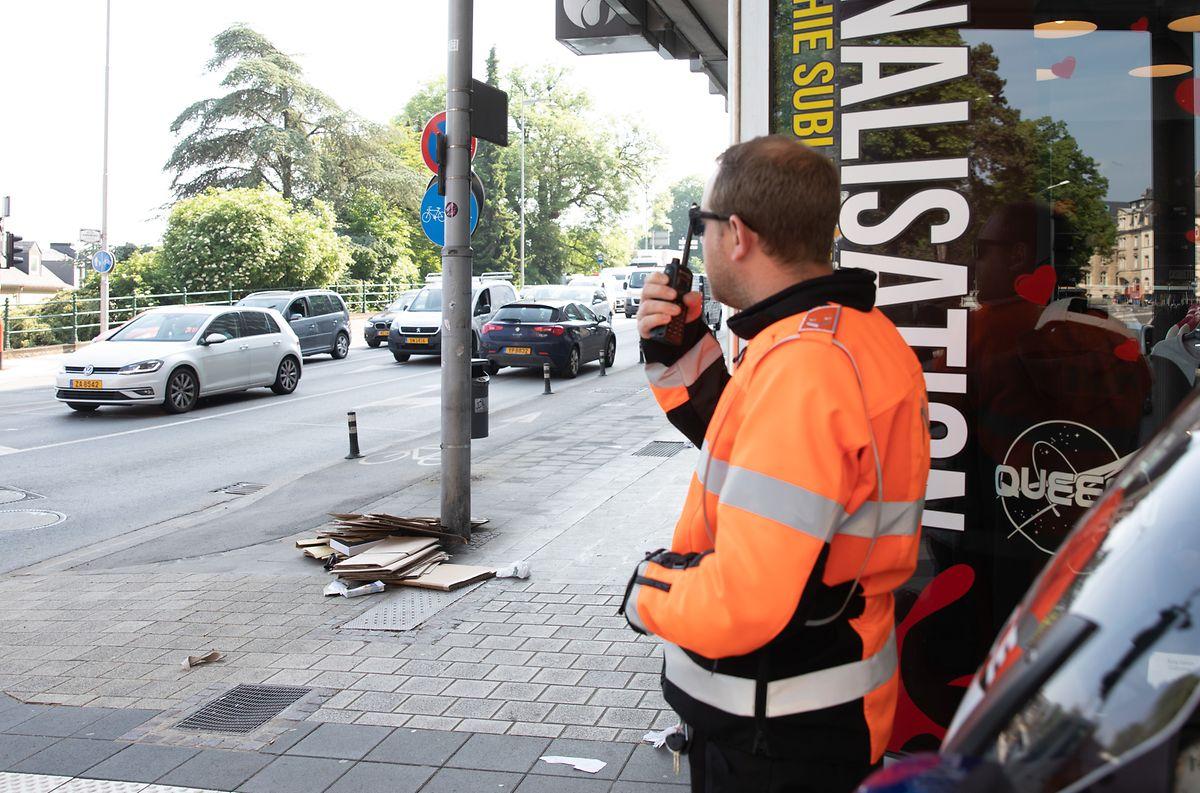 Am Schwender beobachtete ein Polizist die Autofahrer, die vom Boulevard d'Avranches zum Viaduc abbogen. Wer in diesem engen Kurvenbereich das Handy benutzte, wurde von anderen Beamten in Höhe der Cité judiciaire gestoppt.