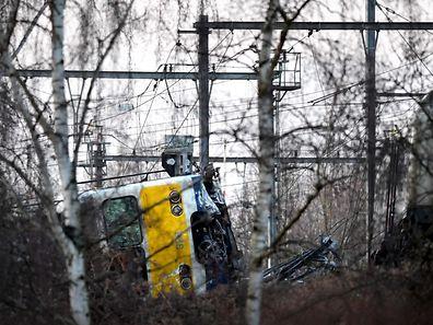Trois personnes sont grièvement blessées et 24 autres ont été blessées, ont indiqué les autorités.