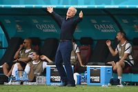 France's coach Didier Deschamps reacts from the sidelines during the UEFA EURO 2020 Group F football match between Hungary and France at Puskas Arena in Budapest on June 19, 2021. (Photo by FRANCK FIFE / POOL / AFP)