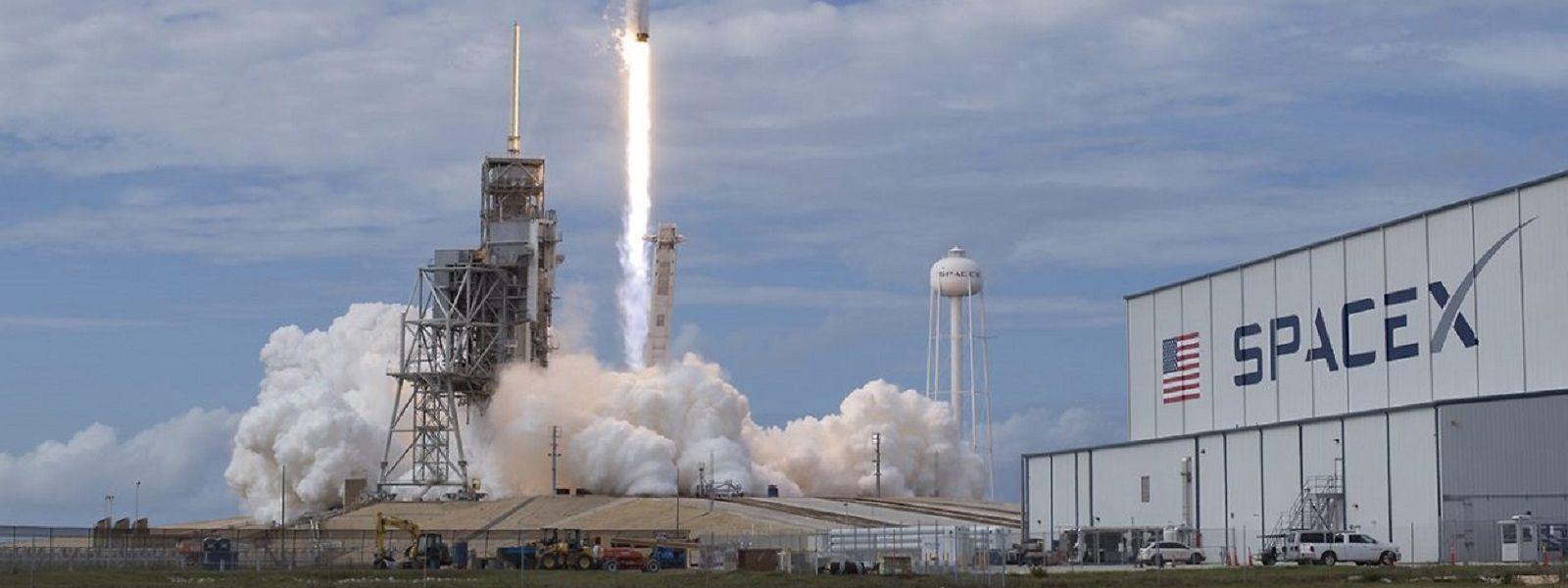 Le deuxième groupe de satellites doit être envoyé en orbite depuis les Etats-Unis, dans un appareil de la société SpaceX.