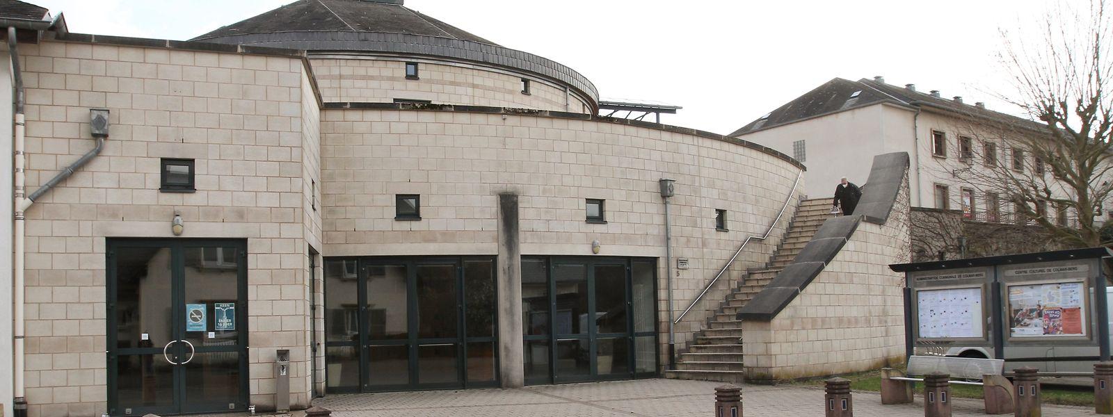 Das 1998 eingeweihte Kulturzentrum präsentiert sich auch heute noch modern und funktional. / Foto: Arlette SCHMIT-THIERING