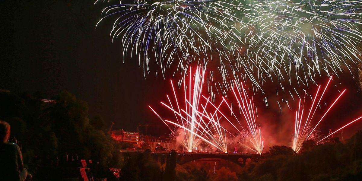 Le feu d'artifice a clos en beauté cette soirée de festivités, dans la musique et la lumière