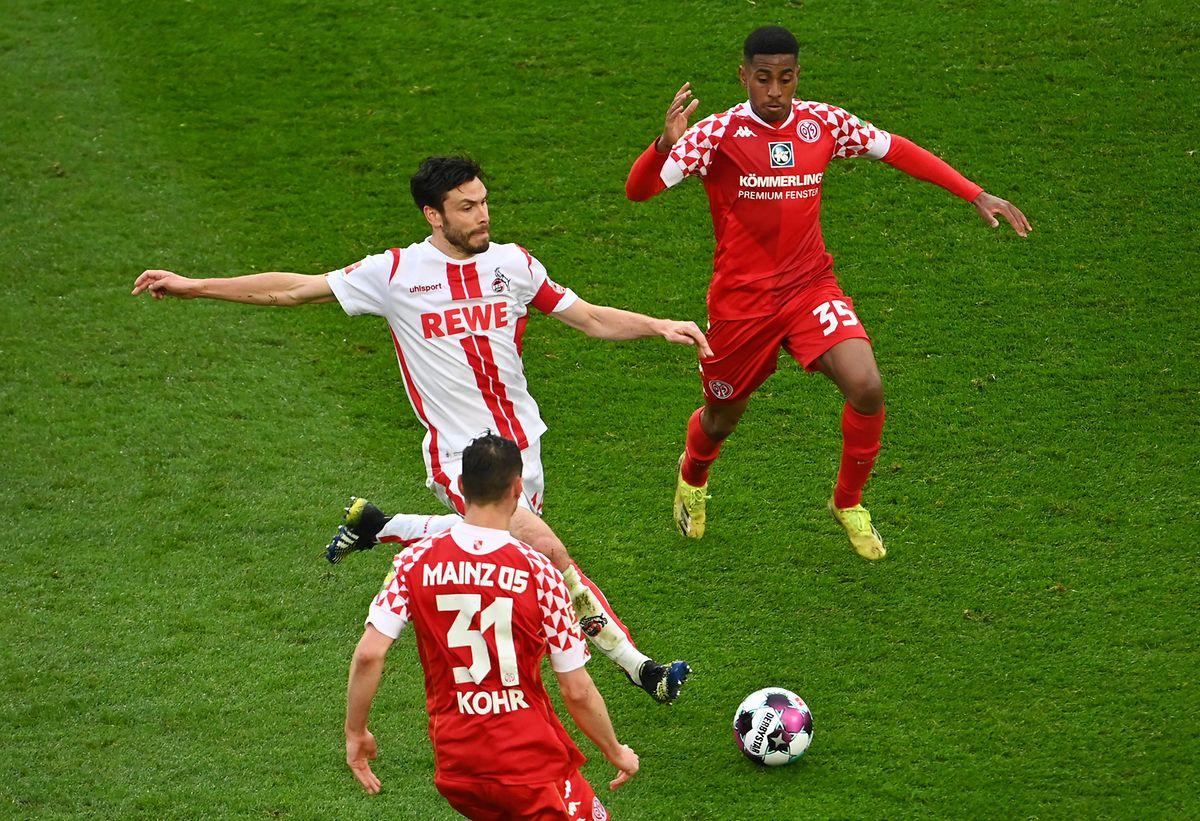 Leandro Barreiro und Mainz schlagen den 1. FC Köln um Jonas Hector (l.) und machen einen weiteren Schritt in Richtung Klassenerhalt.