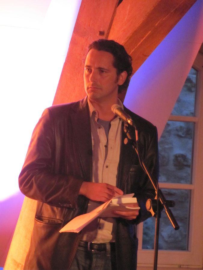 António Carlos Cortez recitando um poema