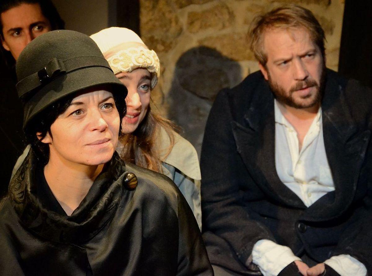 La production de l'oeuvre «Mille francs de récompense» de Victor Hugo.