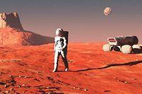 La combinaison devrait «utiliser au maximum les ressources martiennes» mais a encore besoin de nombreuses heures de travail pour offrir une solution face à la poussière rouge omniprésente sur la planète, a affirmé la société dans un communiqué.