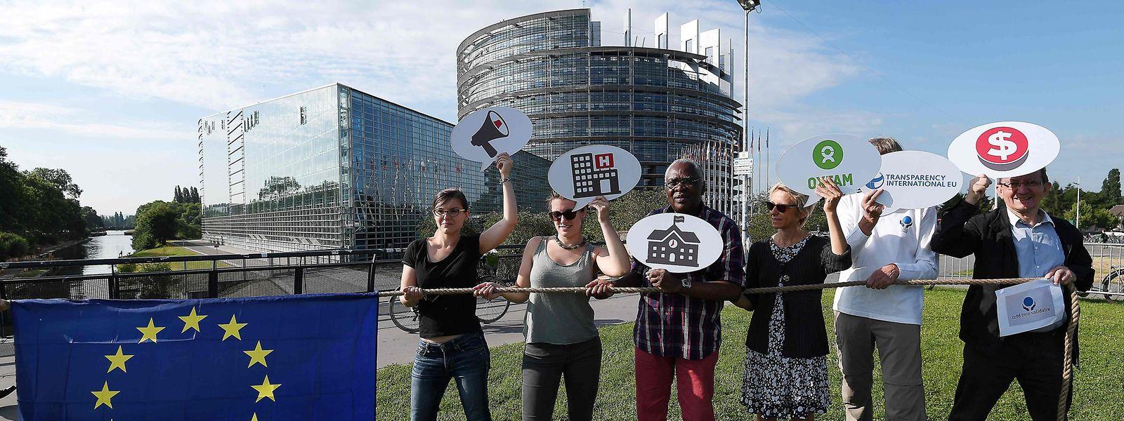 Klassisch: Proteste vor dem Parlament in Straßburg.