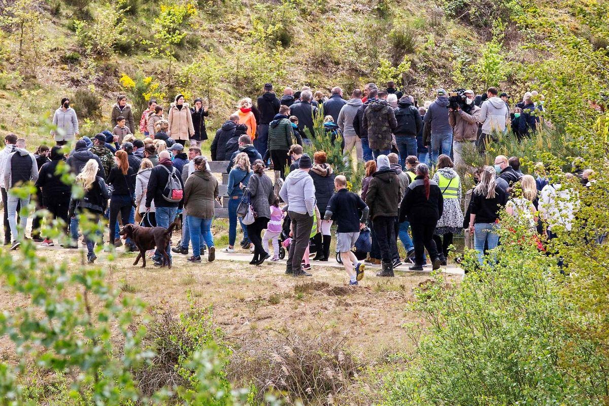 Plusieurs marches de militants extrémistes ont été organisées dimanche, en soutien au fugitif.
