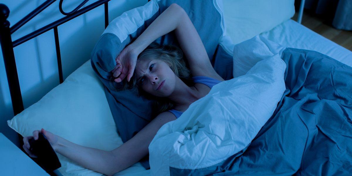 Immer wieder wach: Gerade das Durchschlafen macht vielen Menschen zu schaffen.