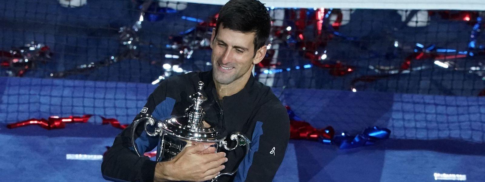 Novak Djokovic continua a acumular troféus