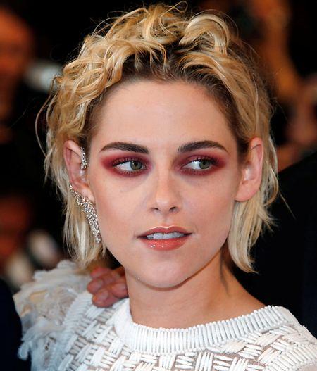 L'actrice Kristen Stewart sera-t-elle  distinguée à Cannes et à Hollywood?