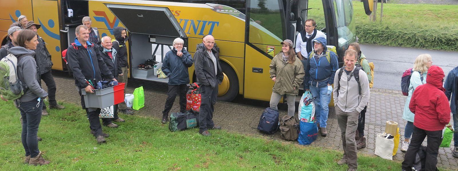 Am Dienstag brach ein Bus mit Winzer aus Deutschland und Luxemburg zum Katastrophengebiet um Ahrweiler auf.