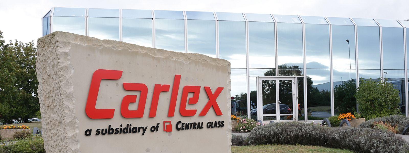 Vor den Produktionshallen von Carlex in Potaschberg.