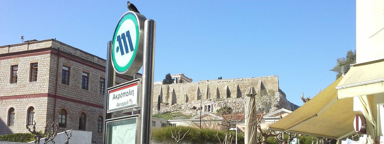 Nicht nur überirdisch gibt es an der Akropolis viel zu sehen. Auch die Metrostation wartet mit historischen Exponaten auf.