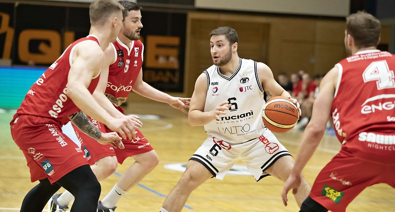 Kevin Moura (T71 m.) / Basketball, Total League Maenner, T71 - Musel Pikes / 17.04.2021 / Duedelingen / Foto: Christian Kemp
