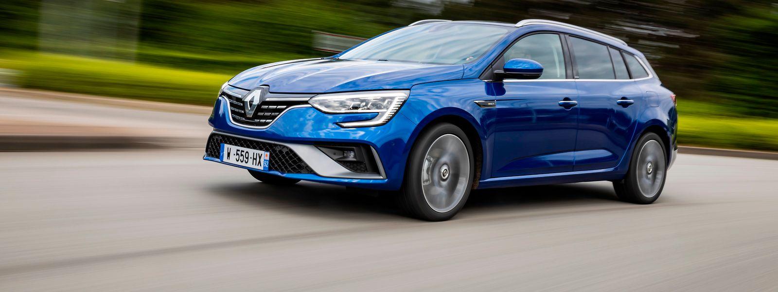 Mit seinen ausgewogenen Proportionen und seinem coupéhaften Dach kommt der Renault Mégane Grandtour sehr gefällig daher.