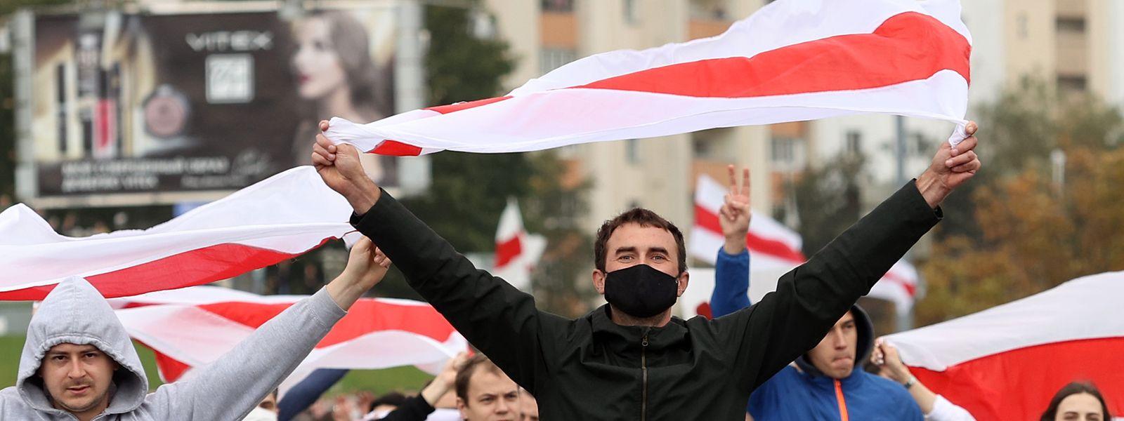 Am Sonntag gingen in Minsk abermals zehntausende Menschen gegen Machthaber Lukaschenko auf die Straßen.