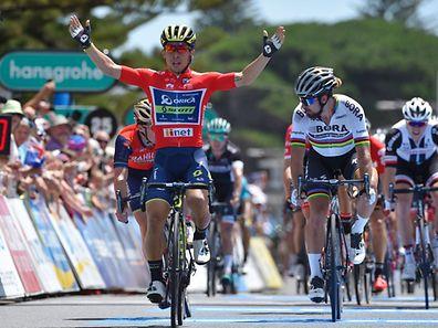 Peter Sagan trop juste, Caleb Ewan savoure sa deuxième victoire sur ce Tour Down Under.