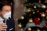Italiens Regierungschef Giuseppe Conte hat seine zerstrittene Koalition zu einem schnelleren Vorgehen bei den Plänen zum Einsatz der milliardenschweren EU-Corona-Hilfen aufgefordert.