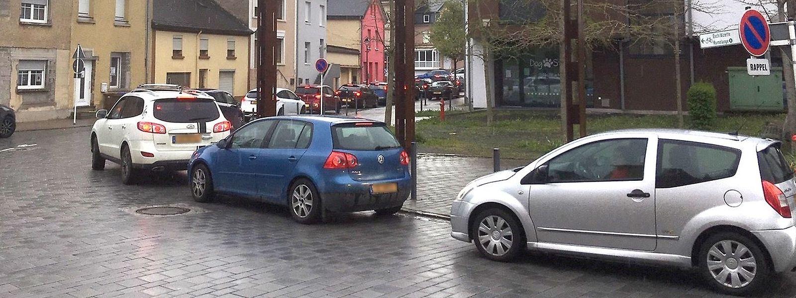 Auch in Nebenstraßen, hier in Tetingen, ging es zeitweise nicht vom Fleck.