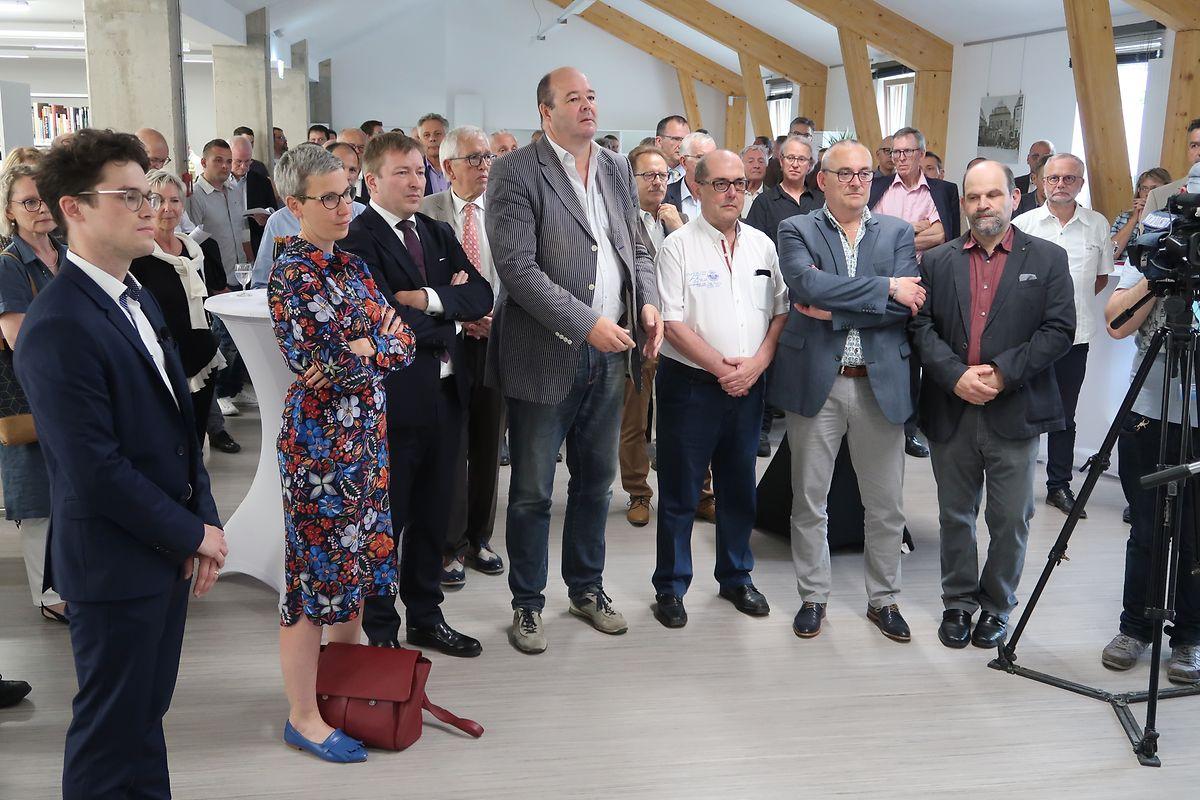 MNHM-Direktor Benoît Niederkorn (links) konnte zur offiziellen Einweihungsfeier auch zahlreiche Ehrengäste aus Politik und Gesellschaft begrüßen.