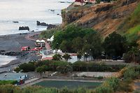 Derrocada de grande dimensão ocorreu na Praia Formosa, no Funchal.