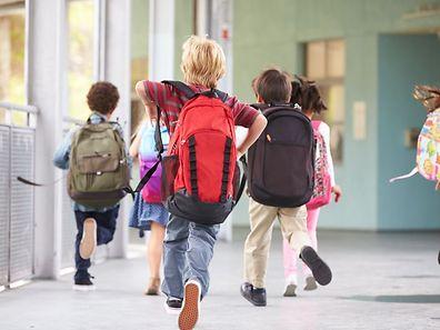 Après l'accord du Conseil de gouvernement, l'école privée a ouvert ses portes en septembre 2010 dans l'enceinte de l'école Henri VII au Limpertsberg, puis elle a déménagé en 2015, dans des locaux situés sur le site Edupôle à Walferdange.