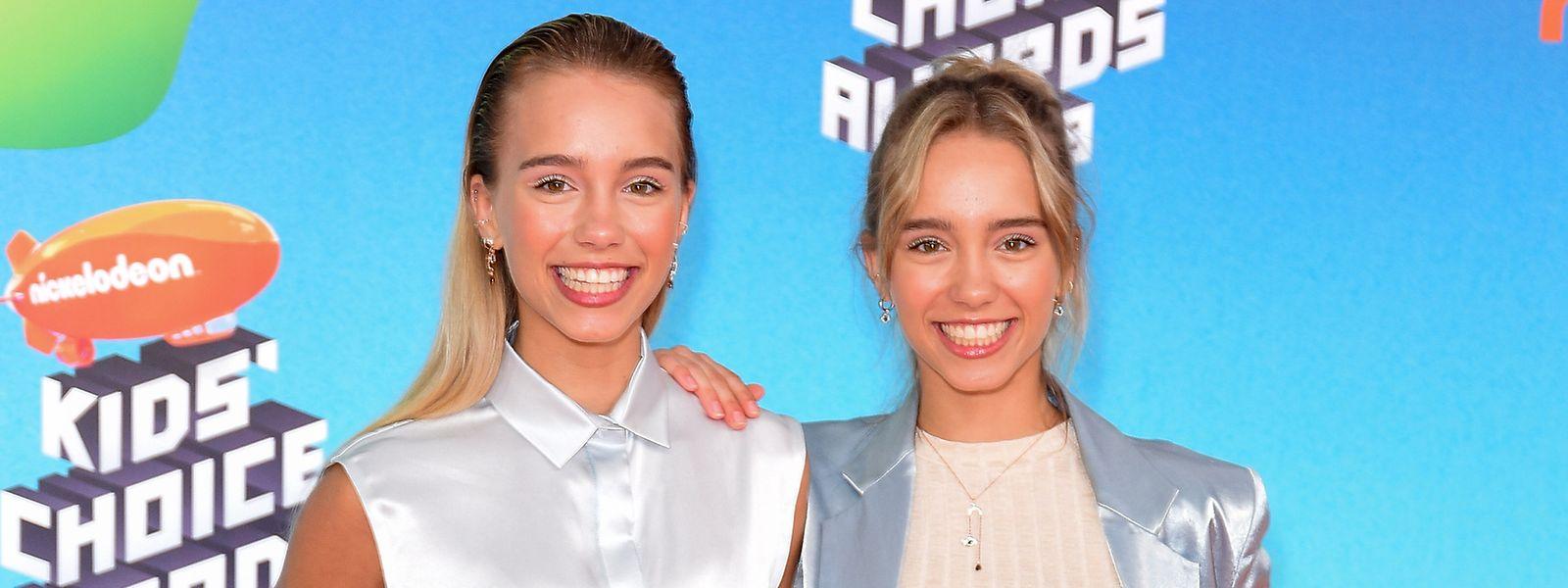 Die deutschen Zwillinge Lena und Lisa sind die größten Stars der Plattform Tiktok. Sie haben mehr als 32,7 Millionen Follower aus aller Welt. Auch auf Instagram sind die Teenager gefragt: Dort folgen ihnen 14,3 Millionen Menschen – Tendenz steigend.