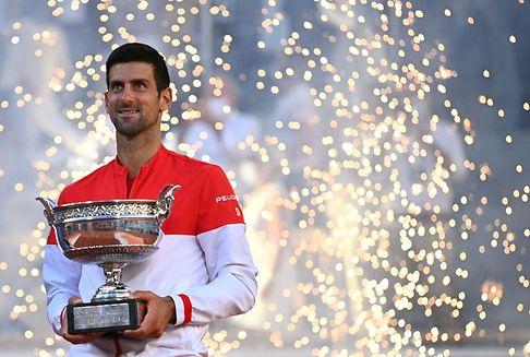 Djokovic renverse Tsitsipas à Roland-Garros