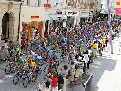 Der Start der dritten Etappe der Tour de France 2006 in Esch/Alzette.