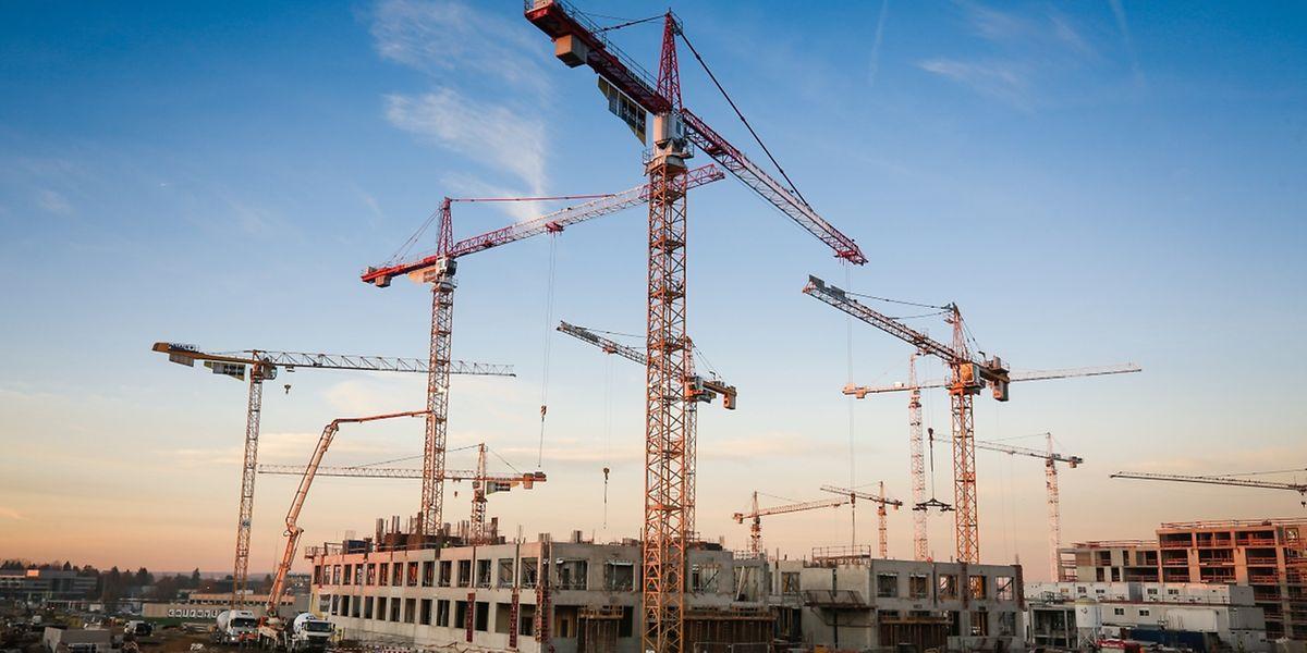 Auch am Ban de Gasperich im Süden der Hauptstadt entsteht derzeit ein komplett neuer Stadtteil. Auch hier wird vor allem Büroraum geschaffen: Langfristig sollen dort rund 20000 Menschen zur Arbeit gehen und etwa 6000 Menschen leben.
