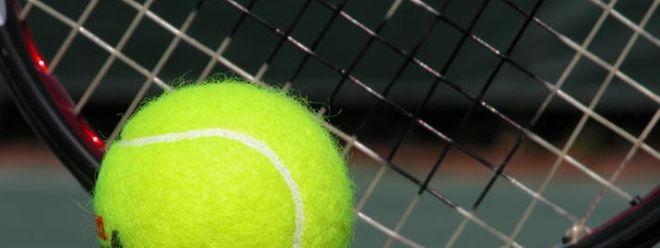 A seleção portuguesa de ténis feminino vai defrontar a congénere luxemburguesa, esta quinta-feira, no CNT de Esch-sur-Alzette, para o Grupo II da zona euro-africana da Fed Cup.