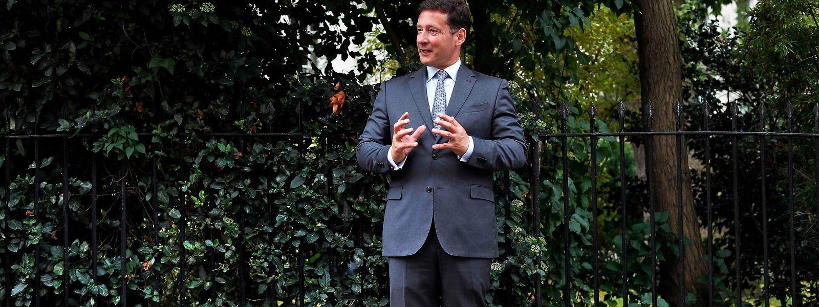 Nicolas Mackel aux abords d'un parc londonien proche de l'Ambassade du Luxembourg à Londres le 6 septembre dernier. Il expliquait à un agencier de l'AFP que 3.000 postes pourraient être relocalisés de Londres à Luxembourg.