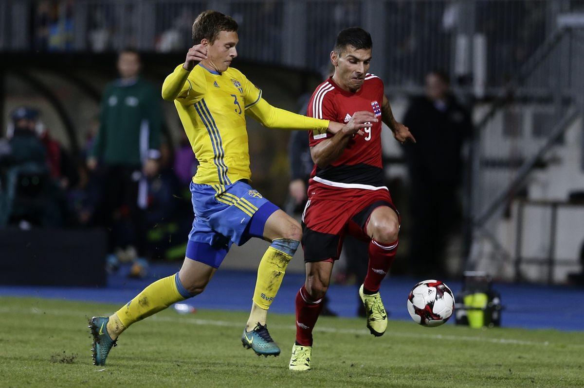 Daniel da Mota (ici face au Suédois Victor Lindelöf) est le Luxembourgeois qui a le plus souvent affronté la Biélorussie: cinq fois!