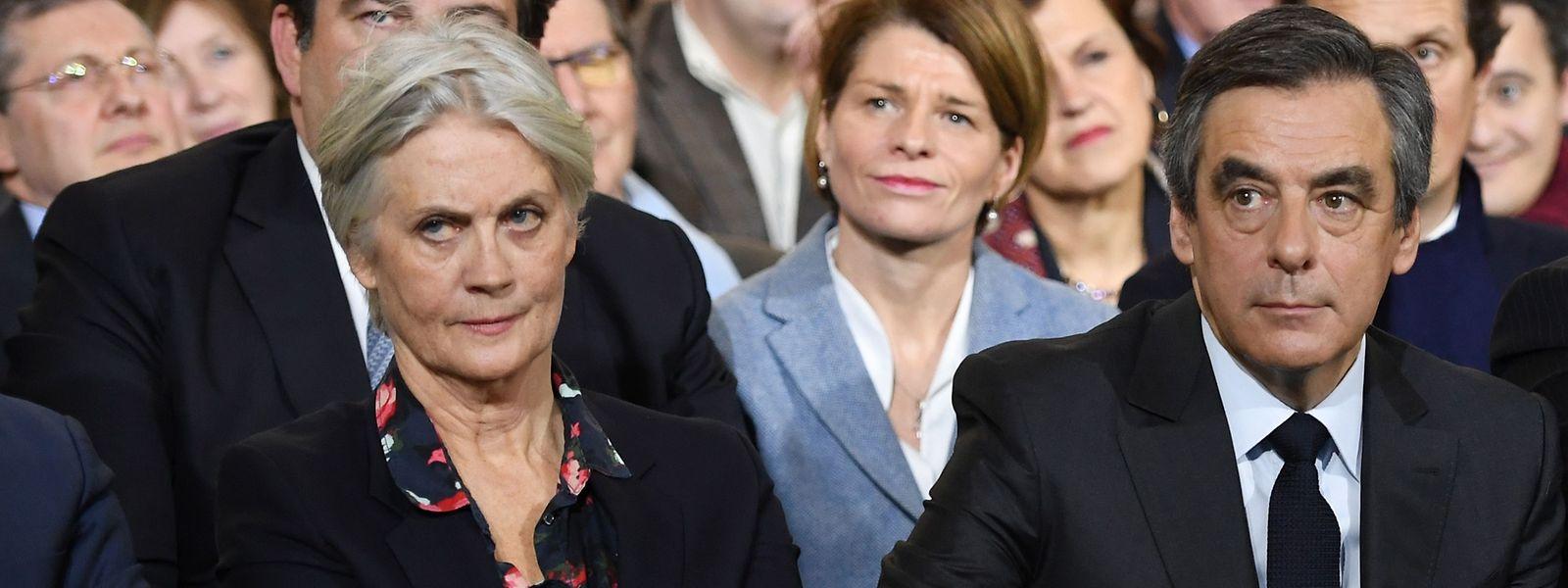 Francois Fillon (R) und seine Frau Penelope.