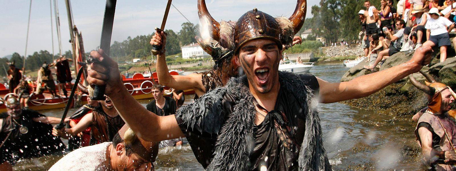 Die Faszination für Wikinger strahlt weit aus: Im spanischen Catoira findet jährlich im August ein Wikingerfest statt.