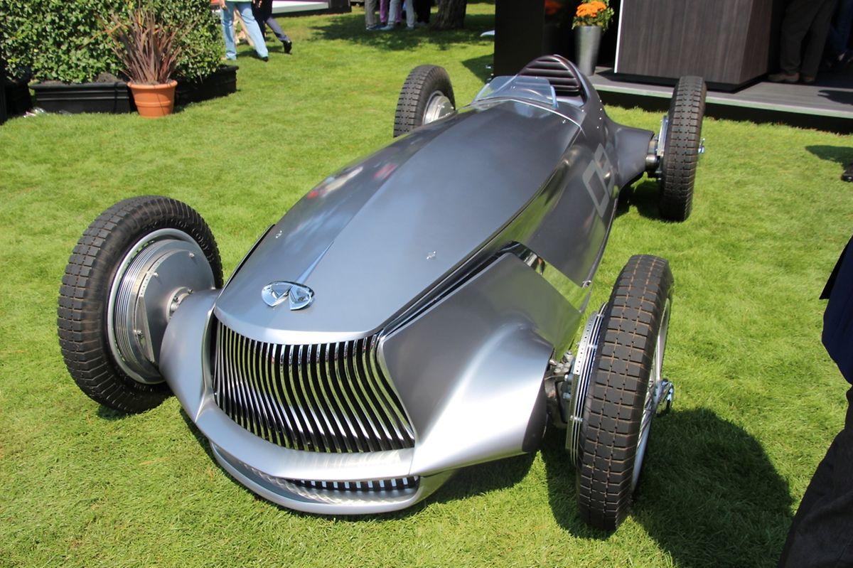 So stellt sich die Nissan-Marke Infiniti einen Rennwagen vor, wie er gegen die legendären Silberpfeile von Mercedes oder Auto-Union gekämpft haben könnte. Der Prototype 9 zitiert dabei aber auch die aktuelle Designsprache der Marke und wird von einem E-Motor angetrieben.