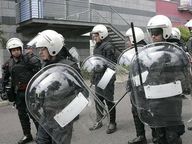 36 Luxemburger Polizisten sind für die Wahrung der öffentlichen Ordnung eingeteilt.