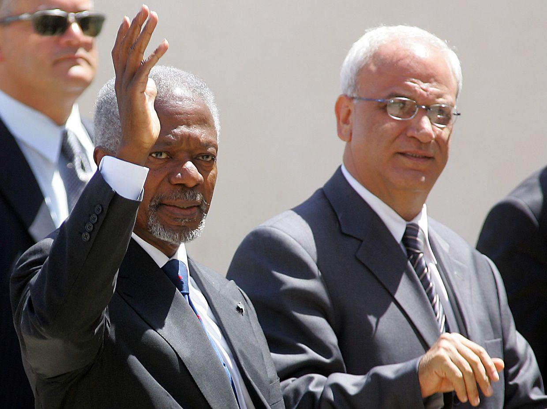 Saeb Erakat zusammen mit dem 2018 verstorbenen UN-Generalsekretär Kofi Annan.